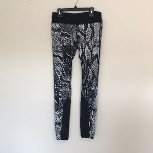 Nike Dri-Fit snake skin leggings
